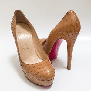 Christian Louboutin nude heels platform pumps